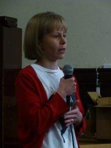 Dr Nicola Davis with a speech about local campaigning